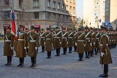 改变在La Moneda的卫兵 免版税库存图片