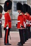 改变的战士在白金汉宫的卫兵时间 库存照片