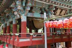 30更改的卫兵7月韩国国王好朋友s汉城南部 釜山 Beomeosa寺庙 鼓 图库摄影