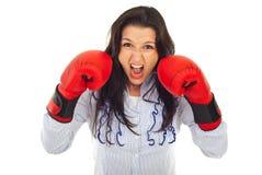 攻击企业愤怒的妇女 免版税库存照片