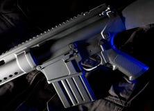 攻击蓝色胶凝体步枪 免版税库存照片