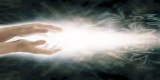 放光的Reiki医治用的能量 图库摄影