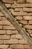 放光砖墙 免版税库存图片