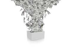 放出在白色箱子的美元钞票 图库摄影