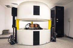 放射性核素综合和同位素生产的回旋加速器复合体 免版税图库摄影
