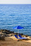 放弃海滩睡椅二 库存图片