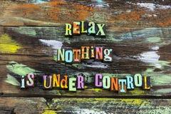 放松什么都在控制下不学会冒险未知数的一切 免版税库存照片