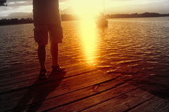 放松在日落在一个夏日 库存照片