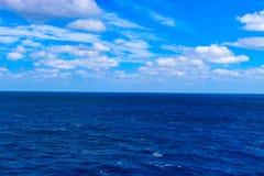 放松在海洋时间 免版税图库摄影