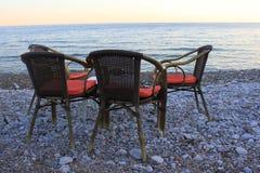 放松在海滩 免版税库存照片