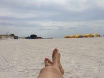 放松在马德拉岛海滩 免版税图库摄影