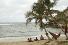 放松海滩的吊床 免版税图库摄影