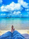 放松海滩的日 免版税库存图片