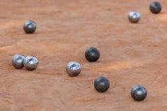 放松球趣味游戏地面的petanque 图库摄影