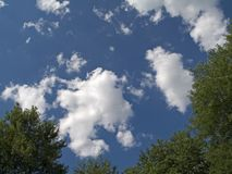 放松的云彩 免版税库存图片