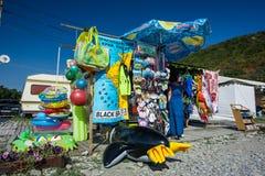 放松的商店在海滩 库存图片