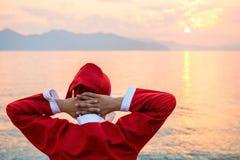放松的圣诞老人 免版税库存图片