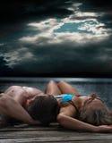 放松的夫妇 图库摄影