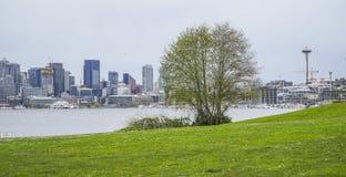 放松的美妙的地方在西雅图-煤气厂停放-西雅图/华盛顿- 2017年4月11日 免版税库存照片