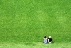 放松年轻人的成人 免版税库存图片
