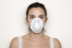 放置猪妇女年轻人的流感屏蔽 免版税库存照片