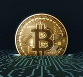 放Bitcoin入投币口在蓝色电路板 免版税库存照片