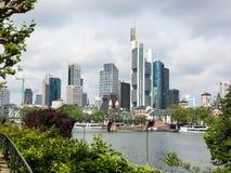 财政区的城市全景在法兰克福 免版税库存图片