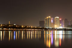 财政区(夜视图amoy城市) 免版税库存照片