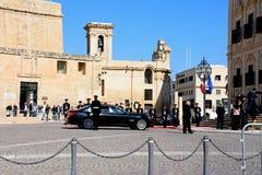 政客到达欧盟会议的,马耳他 库存照片