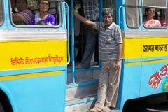 政府奔跑公共汽车在加尔各答,印度 库存图片