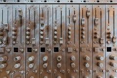 故障人为古铜色合理的调平器正面图  免版税库存照片