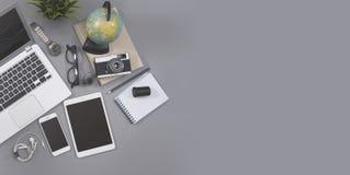 敏感webdesign办公桌英雄倒栽跳水 免版税图库摄影