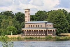 救世主的教会, Sacrow (Heilandskirche上午Port冯Sacro 免版税库存图片