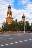 救主变貌教会的看法在从Volokolamsk高速公路的Tushino在一个平静的夏天晚上 莫斯科 俄国 库存照片