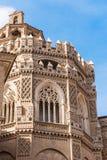 救主或Catedral del萨尔瓦多的大教堂在萨瓦格萨,西班牙 特写镜头 垂直 库存照片