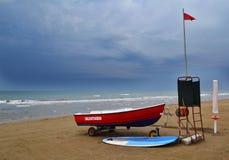 救助艇在一多云天 免版税图库摄影
