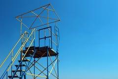 救护设备观察摊的金属框架 免版税库存照片
