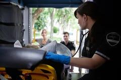 救护车内部患者 库存图片