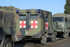 救护车军人交换 库存图片