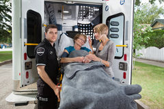 救护车前辈妇女 免版税库存照片