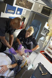 救护车医务人员患者 库存图片