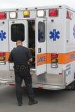 救护车急救队员 库存图片