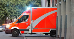 救护车汽车欧罗巴德国慕尼黑 免版税库存照片