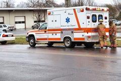 救护车消防队员 免版税库存照片