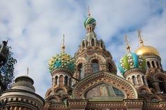 救主的东正教血液的 大教堂圆屋顶isaac ・彼得斯堡俄国s圣徒st 免版税图库摄影