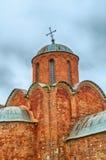 救主的变貌的教会Kovalevo的在Veliky诺夫哥罗德,俄罗斯 门面和圆顶特写镜头  免版税库存图片