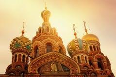 救主的基督,圣彼德堡,俄罗斯的复活的教会Spilled血液的或大教堂日落的 免版税库存照片