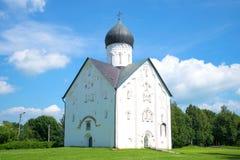 救主` s变貌的教会在伊蕾娜街特写镜头的在一晴朗的7月天 novgorod veliky的俄国 库存图片
