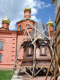 教会下建筑塔 库存照片