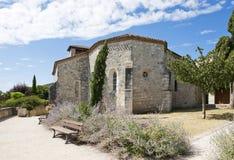 教会中世纪pujols村庄 免版税库存图片